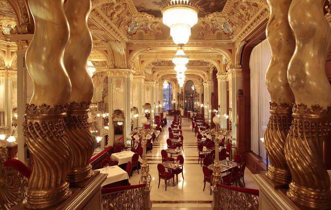 Elképesztő siker! Magyarországon található a világ legszebb kávéháza! és http://www.panoramablog.eu/media/budapest/newyork/new_york_kavehaz.html