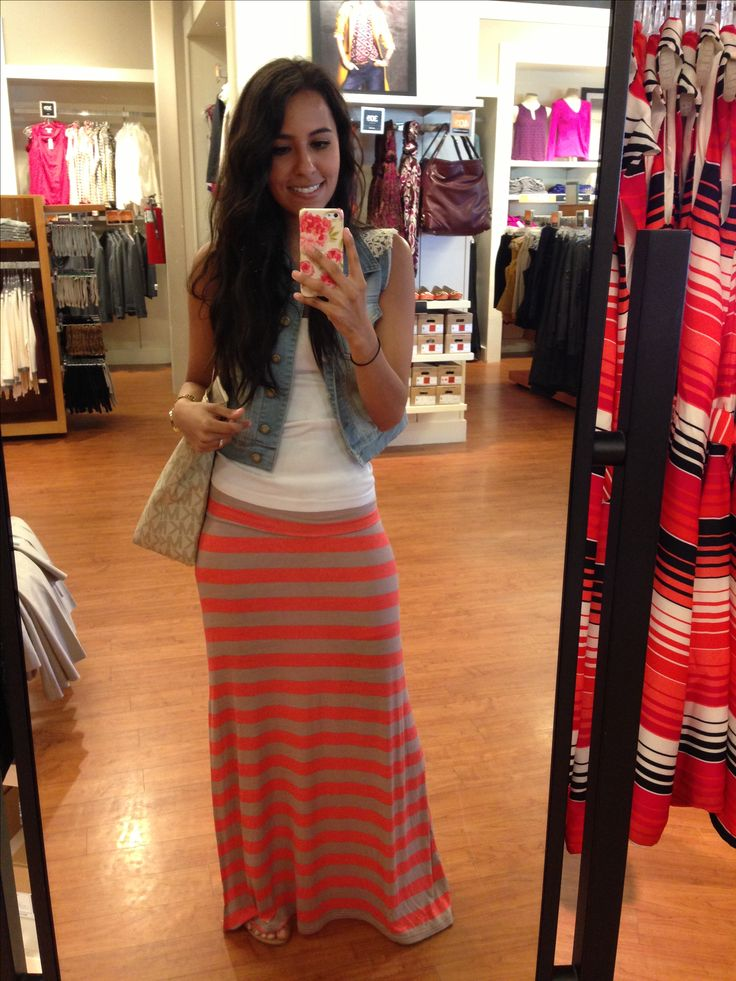 Maxi skirt, outfit summer-fall... Cute!! Just need sleeves on the shirt. Want it