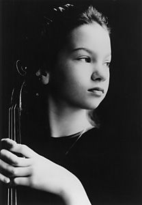Hilary Hahn, 1993 A young violinist at this time, absolutely amazing.