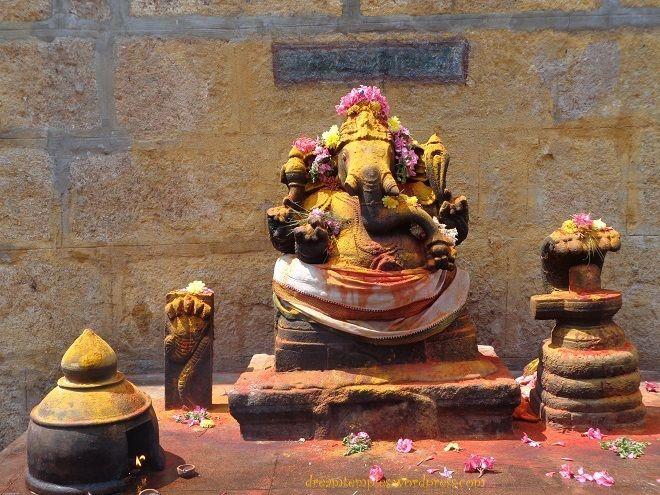 Holy murthi of Lord Ganapathi at the Ardhanareeswarar Temple :)