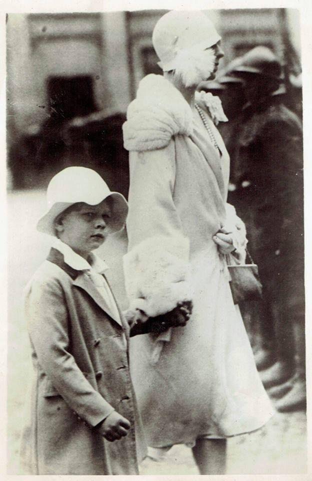 HM King Michael of Romania with his mother, Queen-mother Helen (born Princess of Greece and Denmark). ROMANIANS ASK FOR THEIR MONARCHY BACK! https://www.facebook.com/anrmro  —  Majestatea Sa Regele Mihai I al României, împreună cu Regina-mamă Elena (născută Principesă a Greciei și a Danemarcei). ROMÂNII ÎȘI VOR MONARHIA ÎNAPOI! https://www.facebook.com/anrmro