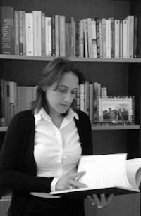 Foto tomada en uno de los despachos del Centro de Psicología AARON BECK a Erika Marqués Rodríguez http://www.cpaaronbeck.com/psicologos-granada/