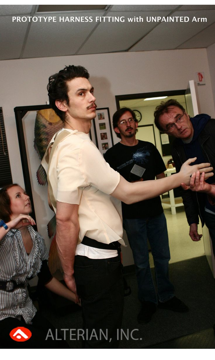 "Danny Boyle,Tony Gardner and James Franco trying false arm for ""127 Hours"""