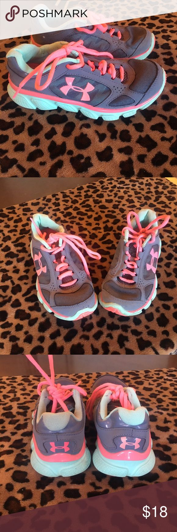 Under Armour girls tennis shoes size 1 Under Armour girls shoes size 1. Been worn and washed they are in good condition. Under Armour Shoes Sneakers