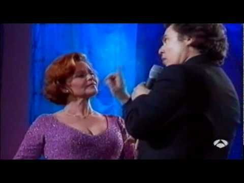 """Rocío Dúrcal & Raphael ♫♪♫ """"Que sabe nadie"""" (España, 1999) ♫♪♫ Presentación en el programa 'La Noche de Raphael'."""