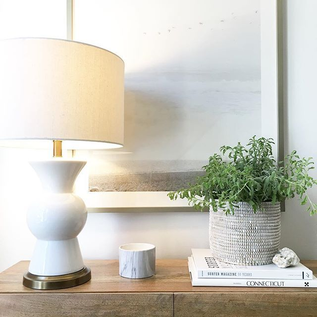 channeling summer on our console table while it's struggling to get above 20 degrees outside!