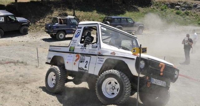 Santa Cecilia de Voltrega ( Osona.Bcn), se celebró la tercera prueba del campeonato Catalán de trial 4x4, en la que se dieron cita 14 vehículos divididos en dos categorías, iniciación y series mejorados.