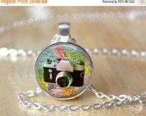 Ideeën van de Gift wereld Globe ketting - Camera ketting - Vintage Camera - reiziger Jewelry - glazen koepel halsketting - inspirerende halsketting - 164