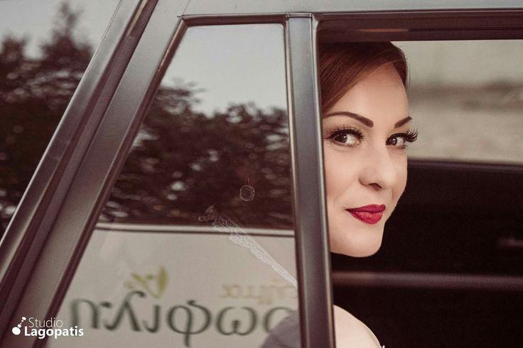 #beautifulbride #beauty #mua #nayakoutsou #wedding #herecomesthebride #bride #weddingcar #weddingphotography www.lagopatis.gr
