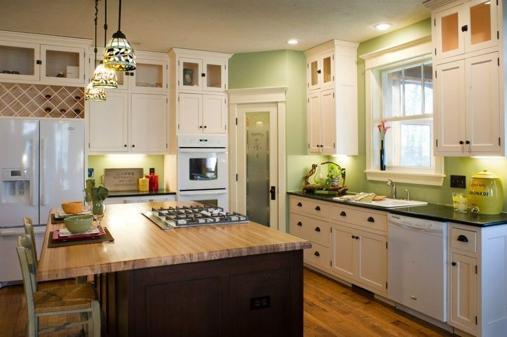 Another white cabinet kitchen. Pic from Hockman Interior Design.