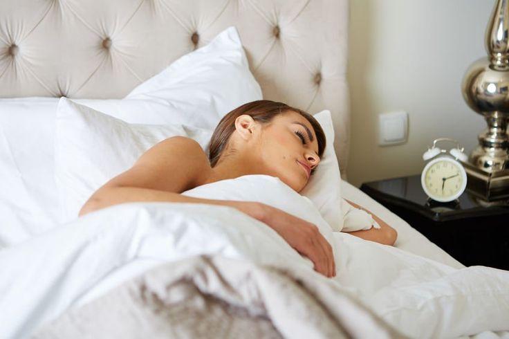 Los tratamientos caseros para la apnea del sueño más efectivos son aquellos en donde nuestro estilo de vida debe de ser modificado y sumarles remedios caseros que puedan