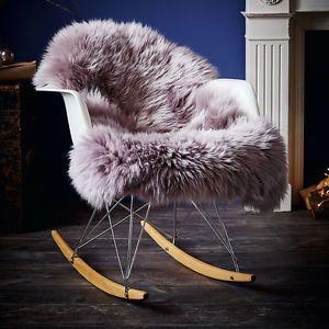 ber ideen zu schaffell auf pinterest felldecke teppiche und patchwork teppiche. Black Bedroom Furniture Sets. Home Design Ideas