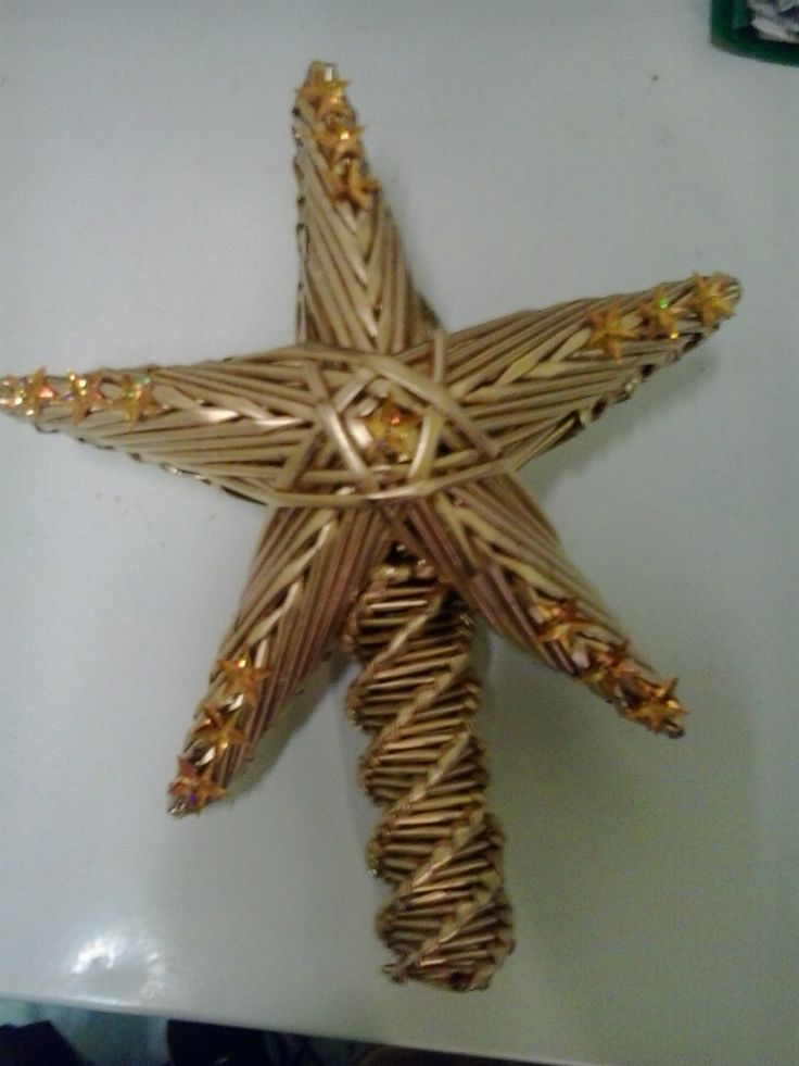 Gwiazda na choinkę z wikliny papierowej