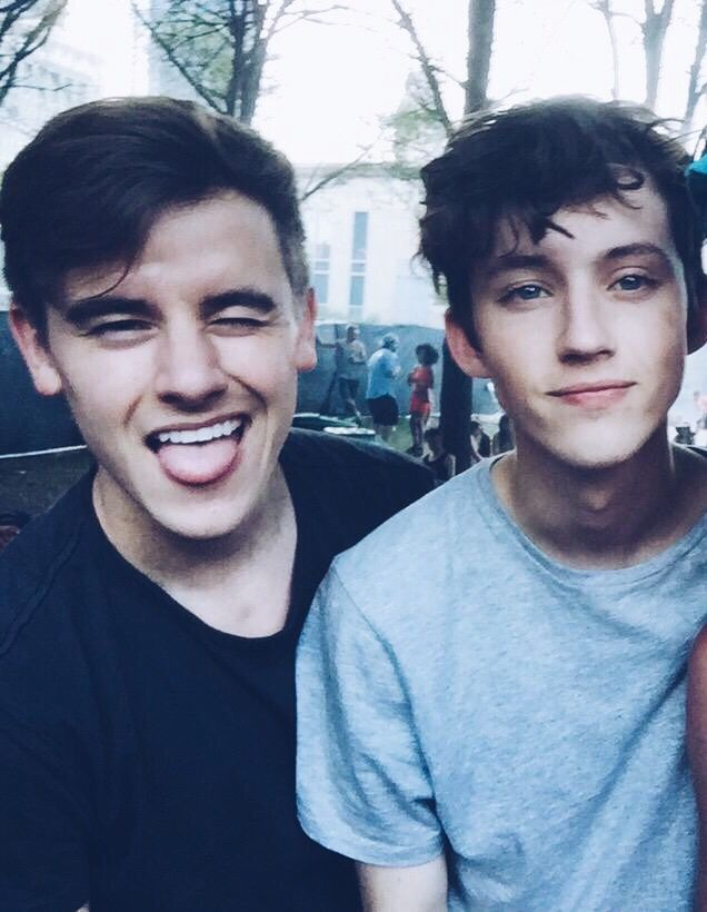 511 best troye sivan images on Pinterest | Martin o'malley ...