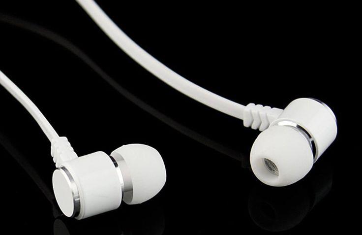 Dengerin Musik di Earphone? Jangan Lama-Lama