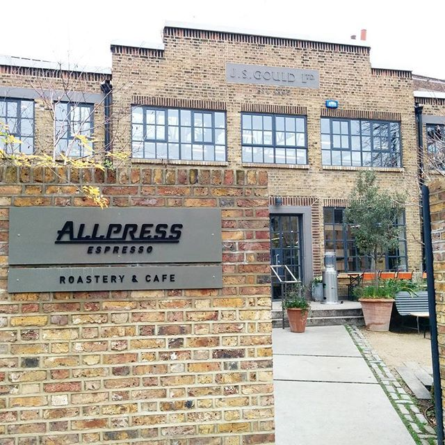 Found the Allpress coffee roastery right around the corner from our hotel in Dalston, in this characterful brick building.