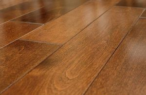 Is Hardwood Flooring a Good Choice for Your Kitchen?  http://superchoicecarpet.ca/hardwood-flooring-good-choice-kitchen/