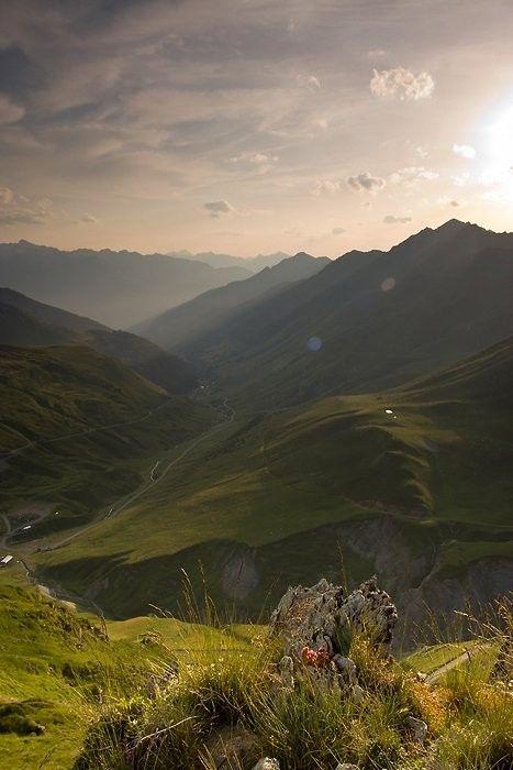 Coucher de soleil au col du Tourmalet. Pyrénées. France.