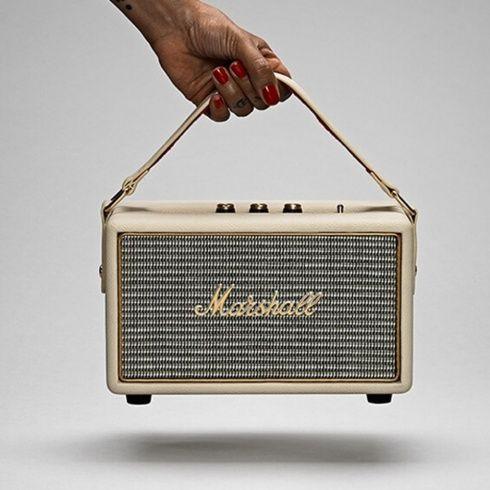 PRVÝ PRENOSNÝ MARSHALL REPRÁK | Bezdrôtový bluetooth prenosný reproduktor Marshall Kilburn