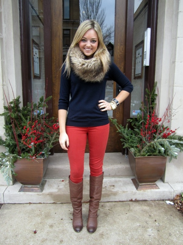 so cute: Fur Scarves, Red Jeans, Fall Wint, Holidays Outfits, Winter Outfits, Outfits Ideas, Brown Boots, Fur Scarfs, Red Pants