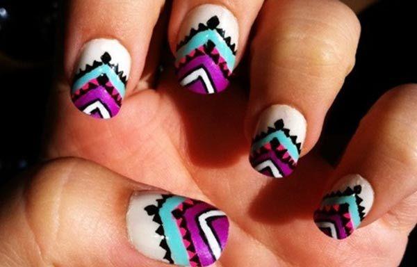 Diseños de uñas tribales faciles, diseño de uñas tribal azteca.   #uñasdecoradas #decoratednails #uñasdeboda