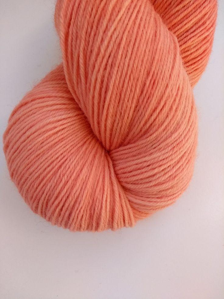 garance rose teinture végétale naturelle corail laine teinte main irlande summer colour knitter gift crochet hand dyed yarn madder pink fingering plant botanical dyed yarn (2)