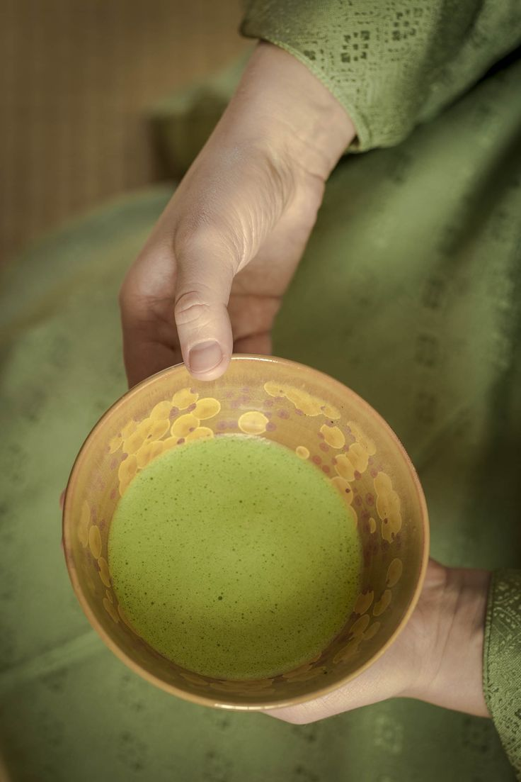 Tea ceremony. Urszula Mach-Bryson photo: dinnershow.studio