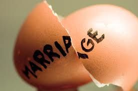 your marriage breaking like an egg shell, come on dont sit back ccome to me