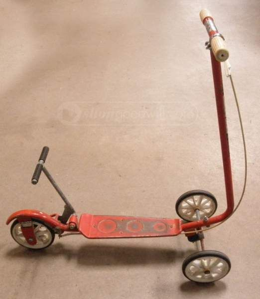 shopgoodwill.com: Vintage Honda Kick N Go Scooter - Red