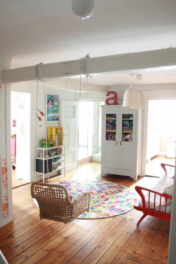 Kinderzimmer Schaukel Bett Bank Sofa Couch Schrank Sprossen