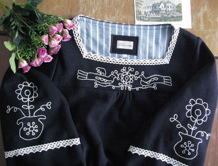 """Купить Платье """"Зимняя усадьба"""" с райскими птицами - тёмно-синий, вышивка, карельская, карельская вышивка"""