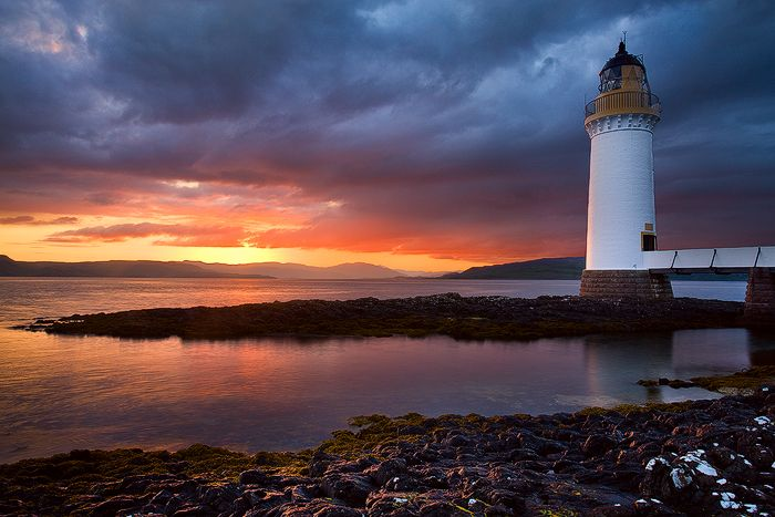 Rubha nan Gall Lighthouse · Isle of Mull, near Tobermory ...
