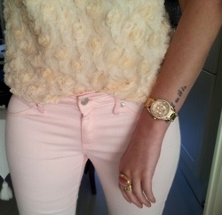 Light pink pants with a touch* of fur :-)