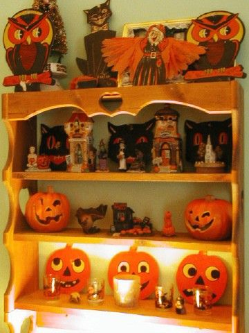 love the antique halloween deco - Antique Halloween Decorations