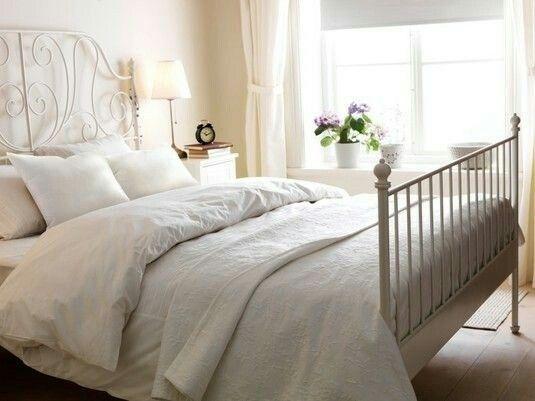 Die besten 25+ Leirvik bett Ideen auf Pinterest Ikea leirvik - schlafzimmer mit metallbett