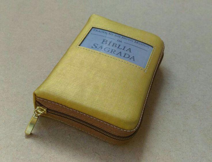 Capa Bíblia com zíper dourada