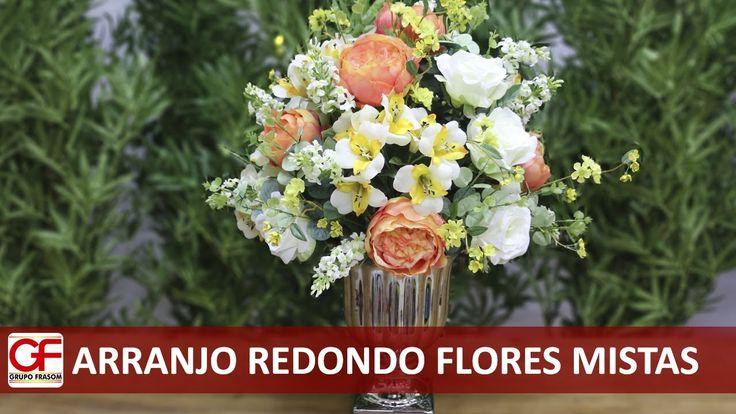 Arranjo redondo com flores mistas