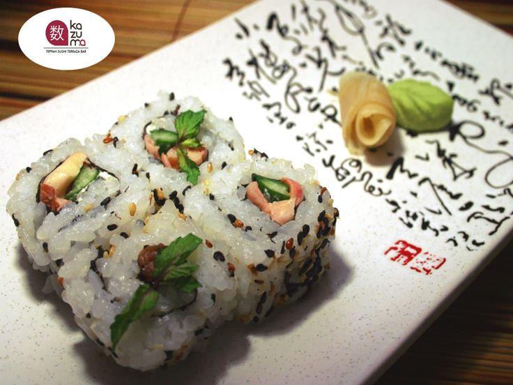 LA MEJOR COMIDA JAPONESA EN POLANCO. Existen distintos tipos de sushi, el estilo URAMAKI se refiere a cuando el arroz va por fuera y sus ingredientes se envuelven en el interior de un trozo de alga seca llamada nori. Se puede aderezar con ajonjolí o masago en el exterior. En Restaurante Kazuma le invitamos a probar nuestros diferentes tipos de sushi. Le esperamos en Julio Verne #38 Colonia Polanco. #comidajaponesa