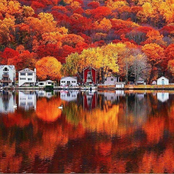 Autumn colors in Seymour, Connecticut, USA