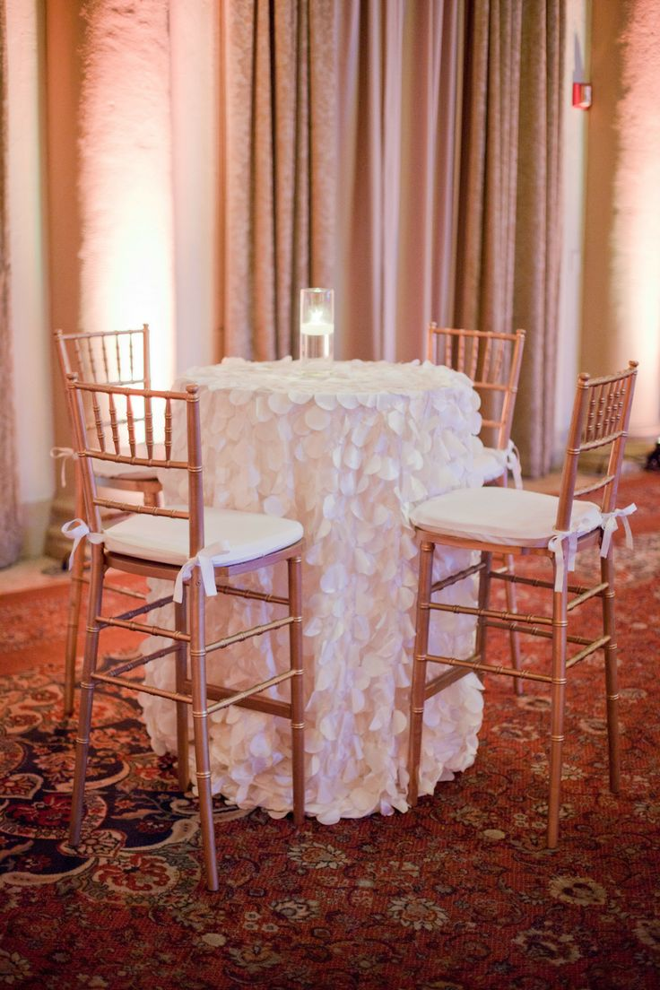 #CocktailHour #Linens | See The Wedding On SMP    Http://