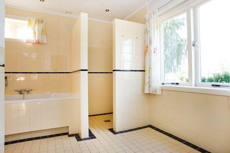Jaren30woningen.nl | Sobere, maar stijlvolle badkamer in jaren 30 stijl
