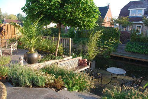 Voorbeeldtuinen - Piekobello *tuin aan het water, met hoogteverschillen