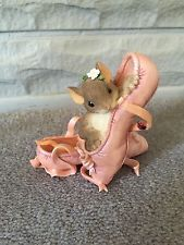 Charming Tails Ballerina Point Shoe Mouse Collectable Figurine
