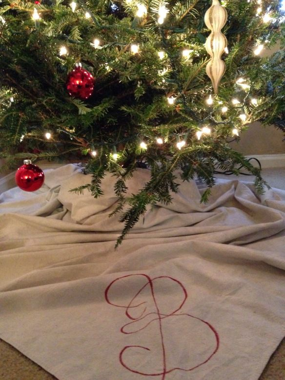 DIY Christmas Tree Skirt!