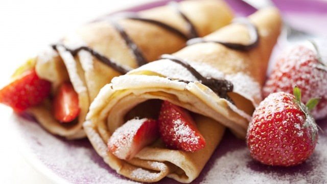 strawberry banana nutella crepe yummm | FOOD & drink | Pinterest