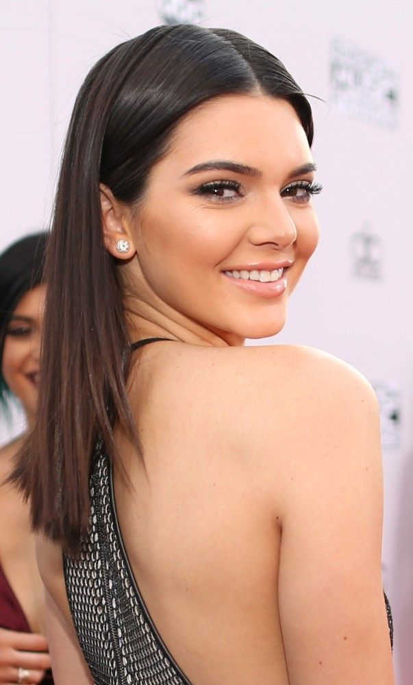 Kendall Jenner Wears See-Through, Front Slit Dress To AMAs