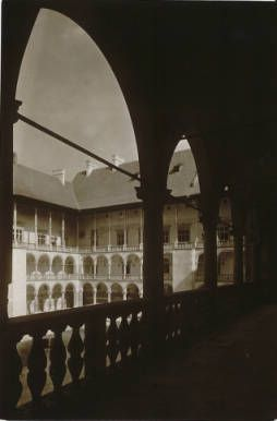 Cracow : The royal castle of Wawel :: Jan Bulhak Collection :: Digital Collections :: University at Buffalo Libraries. Click the image to visit the University at Buffalo Libraries Digital Collection and learn more about the photograph. #ublibraries #polishroom #JanBulhak #Poland