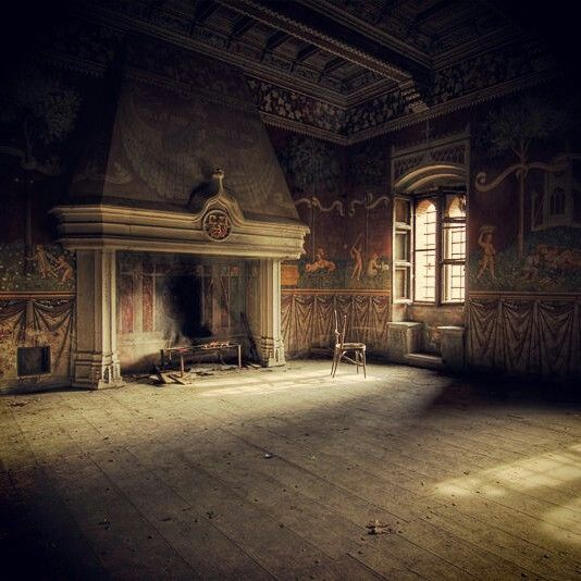 Beautiful, lonely room in decay.