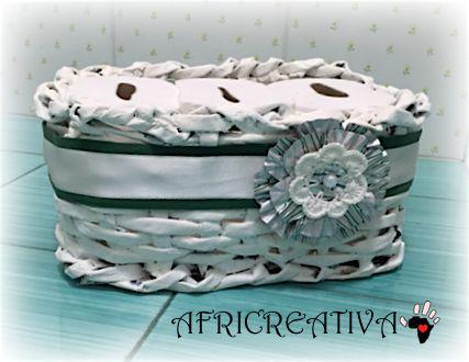 AFRICREATIVA: CESTI di cannucce di carta e riciclo CONTENITORI in plastica (regali per NATALE)