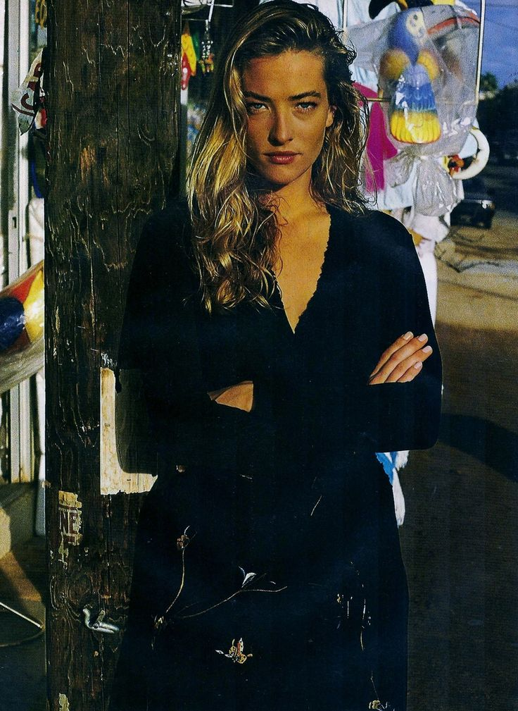 Tatjana Patitz by Gilles Bensimon for Elle France, March 1989.